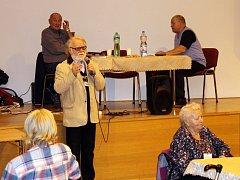 Ředitel Jaroslav Duras už přes rok přesluhuje. Neměl komu funkci předat.