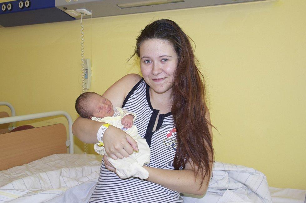 Filip Rusiňák se narodil 5. srpna v1.45 rodičům Ivaně Rusiňákové a Radimovi Krejčímu, kdy vážil 2250 gramů a měřil 43 centimetrů. Doma ve Vlašimi se na něj již těší bratříček Daniel Krejčí (3).