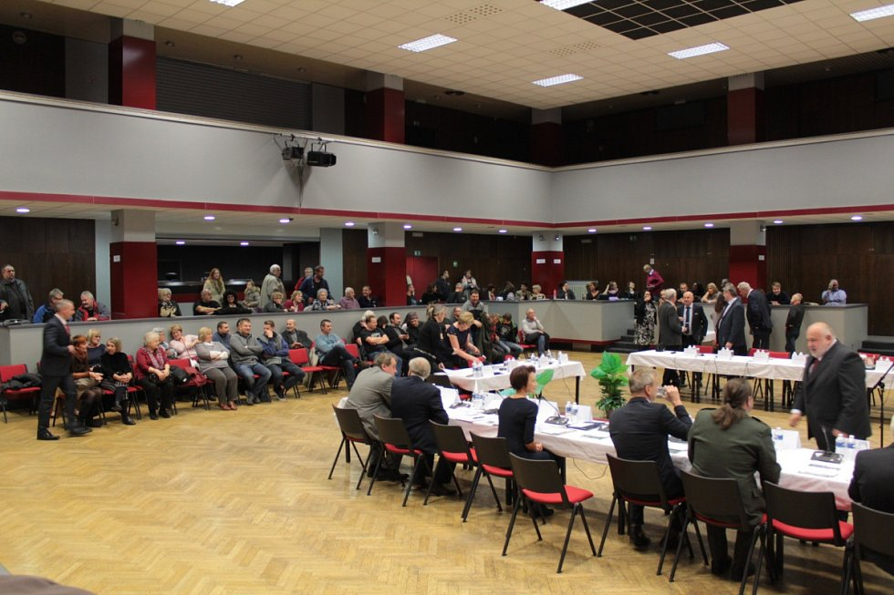 Ustavující jednání benešovského zastupitelstva se konalo 22. listopadu 2018.