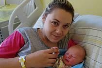 Matyáš Dlhopolček se rodičům Sandře Schusserové a Janu Dlhopolčekovi zJílového u Prahy narodil 14. dubna 2019 ve 4 hodiny a 4 minuty, vážil 3390 gramů a měřil 50 centimetrů.