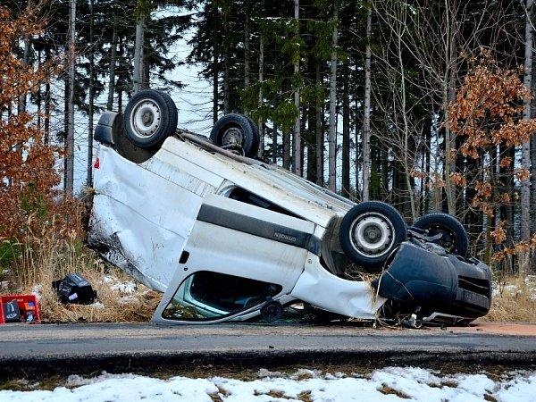 Dopravní nehoda uChoratic.