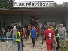 O poločase prohrával Benešov v Převýšově 0:2, po skončení zápasu to bylo ještě horší, 0:5.