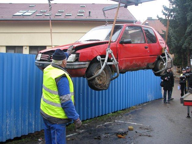 Vraky aut au mohou lidé v ulicích Benešova potkat jen zřídka.