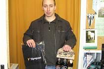 Pavel Dvořák z Kobylí zvítězil v 8. kole Zimní Tipsport ligy BND a odnesl si z redakce ručník od sázkové kanceláře Tipsport a dárkové balení pěnivého moku od benešovského pivovaru Ferdinand.