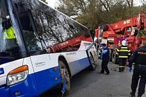 Nehoda linkového autobusu u Přibyšic.