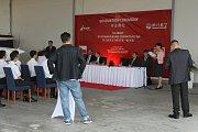 Dopravními piloty se stali studenti z Číny, kteří se učili na nesvačilském letišti.