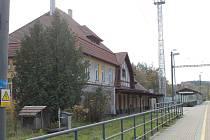 Prostor votického vlakového nádraží u Beztahova zatím stále čeká na smysluplné využití.
