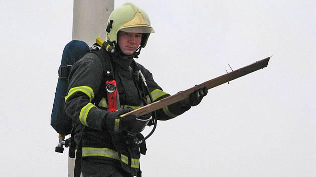 Požár pily u čerčanského nádraží.
