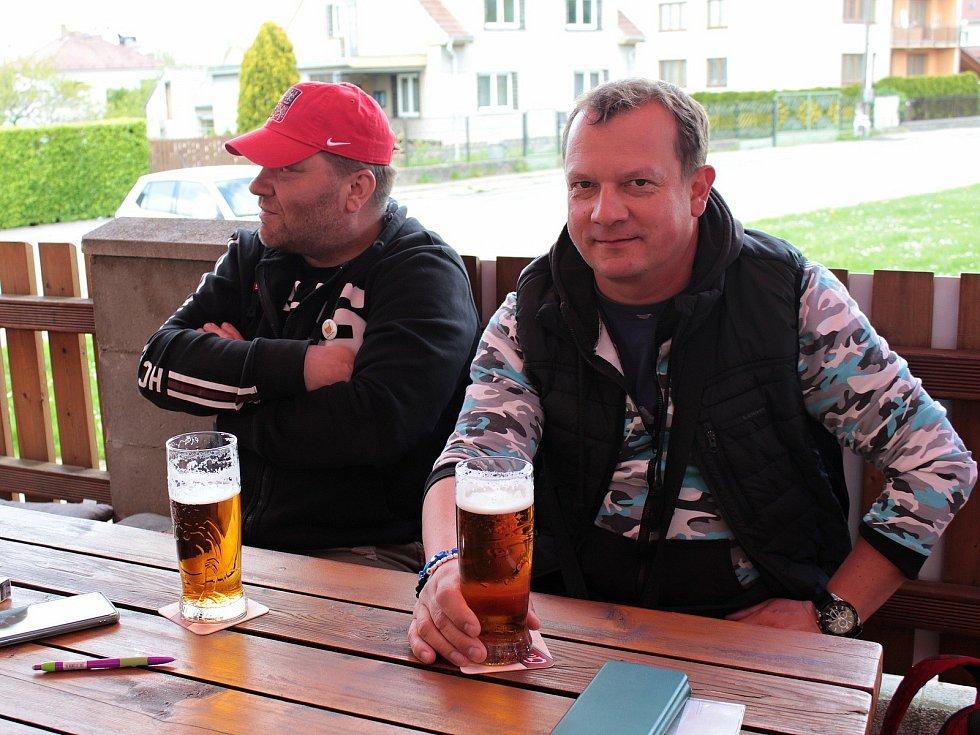 Zahrádka restaurace hotelu Vorlina ve Vlašimi.