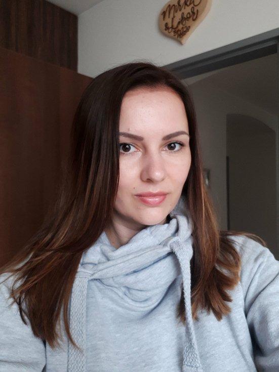 Mirka Konvičná z Votic po návštěvě kadeřnice.