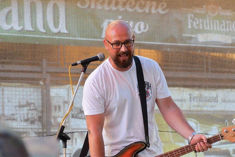 Ve dvoře benešovského pivovaru se v sobotu 4.  července konal open air festival Punkrock for Ferdinand.