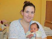 Slavnostním dnem pro Barboru Termerovou a Lukáše Hrušku z Benešova je 5. prosinec. V 18.06 se jim narodil prvorozený syn Aron Tomáš. Při příchodu na tento svět vážil 3,38 kilogramu a měřil 50 centimetrů.