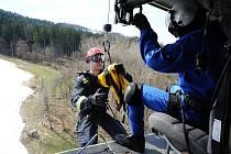 Výcvik hasičských záchranářů.
