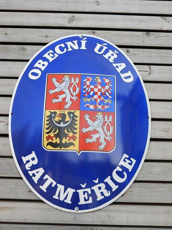Největší sekvoje v České republice rostou v Ratměřicích.