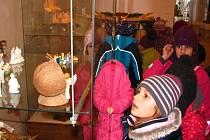Betlémy si v benešovském muzeu prohlédly děti ze ZŠ Jiráskova.
