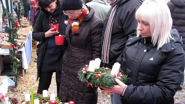 Adventní trh v Nespekách ve dvoře obecního úřadu začíná v sobotu 26. listopadu ve 14 hodin.