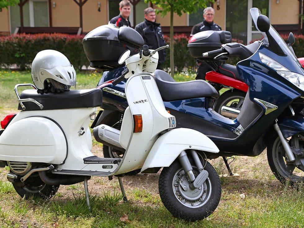 Motorkáři v Sázavě zahájili sezónu