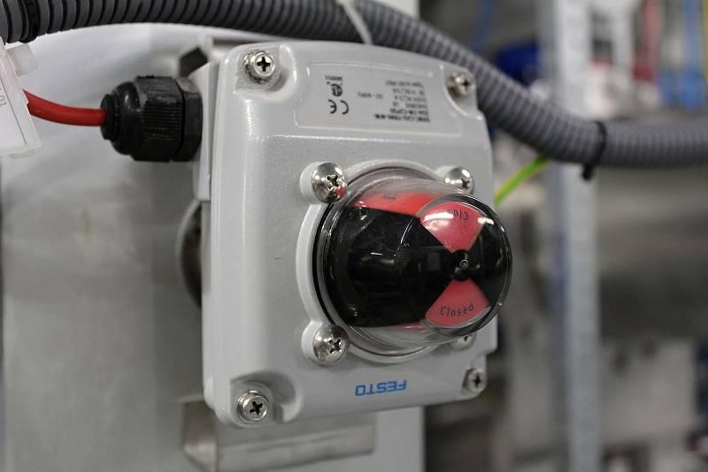 Ze slavnostního zahájení provozu filtrů granulovaného aktivního uhlí.