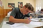 Maturitní písemný test z matematiky na Gymnáziu Benešov.