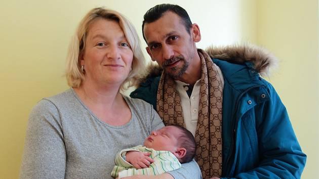 Christien Maxim Daniel se rodičům Lucii a Zdeňkovi narodil 9. března 2019 ve 20 hodin a 45 minut, vážil 4840 gramů a měřil 54 centimetrů. Doma ve Voticích má sourozence Denisu (23), Erika (13), Denise (10), Viktorku (9) a Marečka (3).