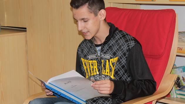 David Veselý při autorském čtení představil krimi povídku.