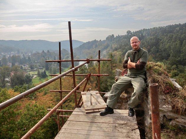 Vladimír Havelka věnuje konzervaci zříceniny hradu Zlenice každou volnou chvíli už bezmála dvacet let.