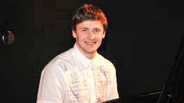 V aktuálním žebříčku soutěže Pianista roku 2014 je Zdeněk Skalák  na šesté pozici.