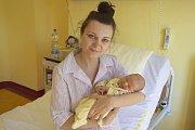 Malý Tobiáš Kahoun se narodil v úterý 30. května v 0.12 manželům Ivaně a Martinovi Kahounovým z Louňovic pod Blaníkem. Při narození vážil 3110 gramů a měřil 48 centimetrů.