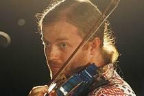 Pavel Šporcl zahraje v neděli 5. července na Chvojně