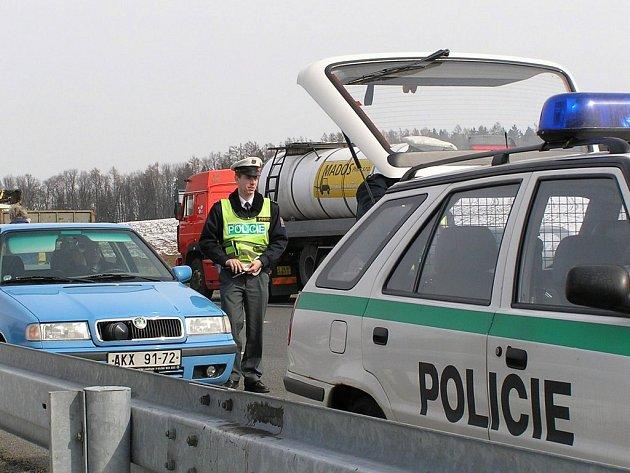 Na 1200 kilometrů silnic na Benešovsku dohlíží jen šest dopravních policistů. Mají  k dispozici pouze jediný automobil s radarem (na snímku). Práci dopraváků tak musejí suplovat  policisté z pořádkové služby