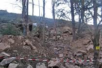 Stav stráně nad Křečovickým potokem v polovině dubna 2008.