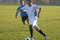 Na SEDMÉM řádku Fortuna ligy potvrdily Teplýšovice roli favorita a v I. B třídě, skupině D, porazily Trhový Štěpánov 4:0.