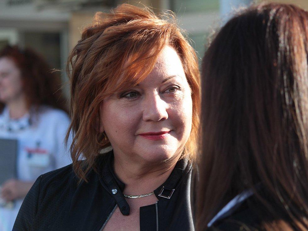 Ze slavnostního otevření Komplexního rehabilitačního centra v Nemocnici Rudolfa a Stefanie v Benešově. Na snímku ministryně financí Alena Schillerová.