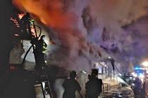 Noční požár v Chrášťanech.
