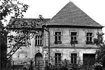 Jedna z nádherných vil v původních Dolních Kralovicích před tím, než přijely bagry.