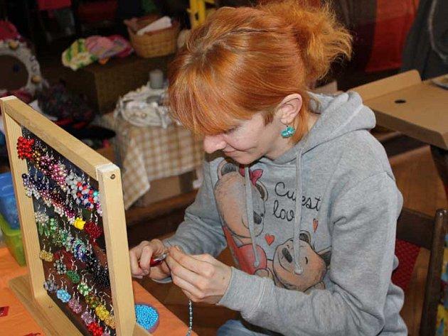 Kreativní jarmark je v aule benešovského gymnázia v sobotu do 14.30.