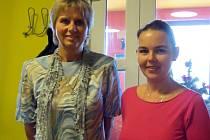 Jarmila Machová (vlevo),  předsedkyně Českého svazu včelařů, nasměrovala první výjezdní zasedání předsednictva do Benešova.