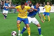 David Skopec (ve žlutém) byl tahounem benešovského mužstva a v létě bude zkoušet štěstí ve Vlašimi.