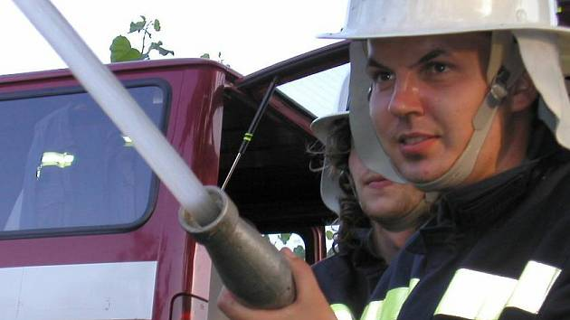 Ilustrační foto: Dobrovolný hasič, tvůrce milionových zisků