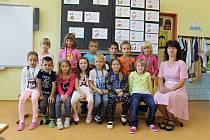 Základní škola Vorlina ve Vlašimi: třída 1.A s učitelkou Jaroslavou Sukovou.