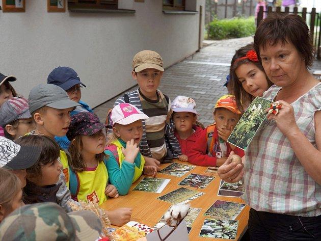 Rozkvetlá zahrada vlašimské paraZOO přilákala návštěvníky k prohlídce.