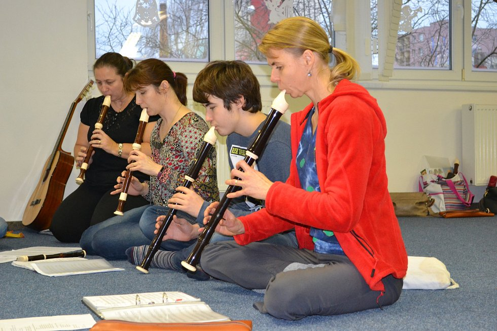 Tříkrálový flétnový koncert Mateřského centra Hvězdička pod vedením lektorky Jany Šeborové.