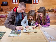 Dům přírody Blaník hostil jarní, křesťanské svátky ojedinělým způsobem. Návštěvníci zábavné a naučné expozice vně domu mohli vyzkoušet netradiční velikonoční kvízy.