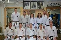 Antonín Setnička z Benešova (třetí řada vpravo) vyrazil na Okinawu za kořeny karate.