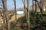 Letní kino ve Vlašimi nepřežilo sesuv svahu z loňského roku, na kterém část kina byla umístěná. Aktuálně je lokalita kina zajištěná.