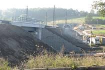 Olbramovický ražený tunel bude spolu se sousedním votickým zprovozněný jednokolejně po nepřetržité výluce koncem listopadu.