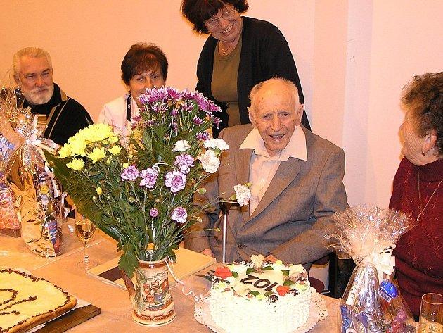 František Bumbálek oslavil své 102. narozeniny