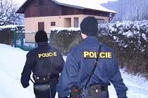 Policisté v Posázaví dělají v chatových oblastech preventivní kontroly i v zimě.