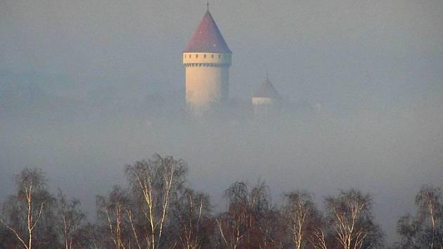 Státní zámek patří ke komerčně nejúspěšnějším památkám. Peníze, které získá ale pomáhají dalším méně vydělávajícím objektům. Bez tohoto přerozdělování by přibylo ruin