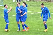 Radost fotbalistů Nespek v zápase proti Libušínu. Ale bod určitě ztratili.